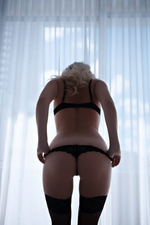 Rosemaine escorts services in Portsmouth, sex club